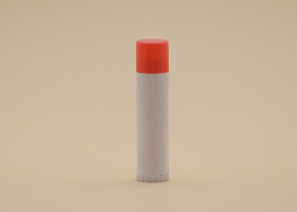 Lightweight 5g Lip Balm Tube Containers Optional Color Cylinder Shape